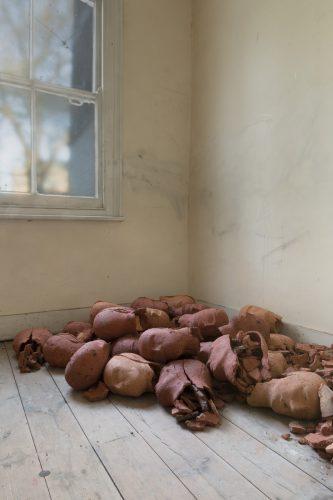 Ex-Votos, 2003-2004, brick clay