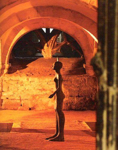 Entre Chien et Loup –Jackal, shown in Gloucester Cathedral, 2010, bronze